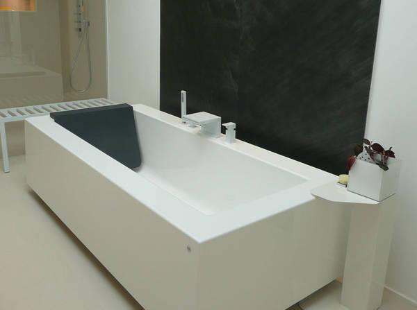 kos grande badewanne freistehend halbeinbau einbau rechteckwanne minimalistisch palomba design. Black Bedroom Furniture Sets. Home Design Ideas